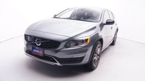 Pre-Owned 2018 Volvo V60 Cross Country